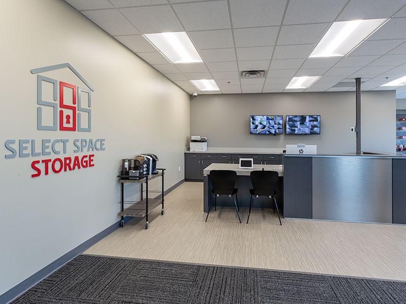 Select-Space-Storage-Prior_Lake